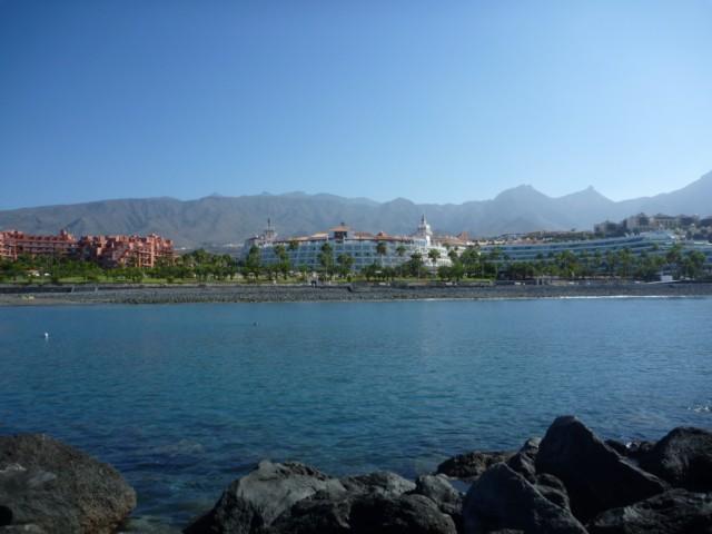 Riu Palace Tenerife - Blick vom Meer aufs Hotel