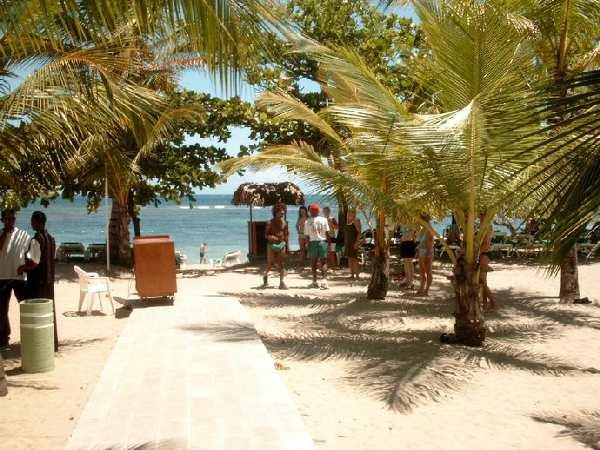 Riu Mambo, Weg zum Strand