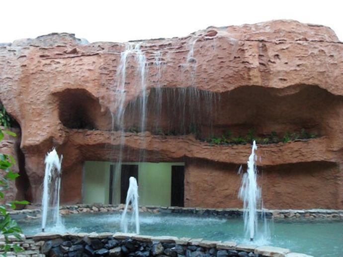 RIU Varadero - Bachläufe & Brunnen beim Hauptrestaurant