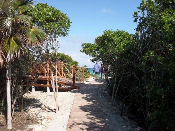 RIU Varadero - Weg zum Strand & Wedding Chapel