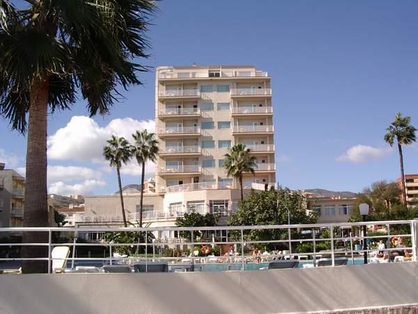 RIU Nautilus, Haupthaus, von der Promenade aus gesehen