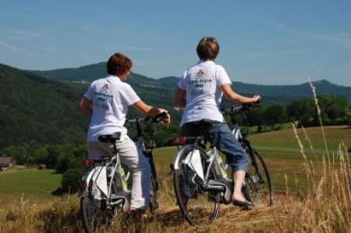 Dank eines E-Bikes muss man kein Spitzensportler sein, um die wunderschönen Landschaften zwischen Main und Rhön durchradeln zu können.