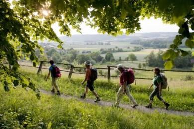 Gemeinsam machen Freizeitaktivitäten wie Wandern mehr Spaß. Der Tourismusverband Franken bietet deshalb speziell für Singles und Alleinreisende eine Fünftageswanderung an.