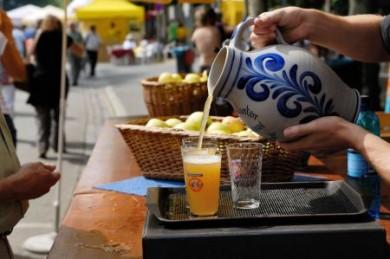 Der Apfelwein gilt als anregendes Getränk.