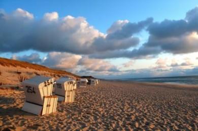 In List auf Sylt herrscht selbst in der Hochsaison vergleichsweise Ruhe. Jeder, der möchte, findet in der Weite der Strandlandschaft ein ungestörtes Plätzchen.