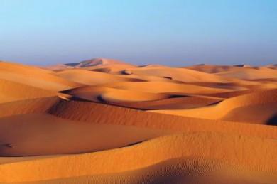Wüsten, Weihrauch, Wassersport - das alles finden Urlauber in Oman.