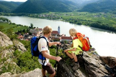 Gipfelstürmer lieben Wanderungen mit Aussichtspunkten hoch über der Donau.