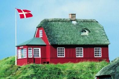 Überall auf dem Festland, an den Küsten und auf den Inseln stehen schmucke kleine Häuschen, die den Dänemarkurlaub erst richtig rund machen.