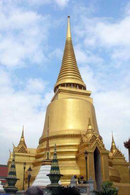 Tempel, Berge, Strände - die Reisemöglichkeiten zwischen Myanmar und Indonesien sind vielfältig.