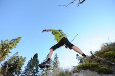 Ob Wandern, Speedhiking oder Walking in der Rhön: Bewegung unter freiem Himmel ist immer gesund.