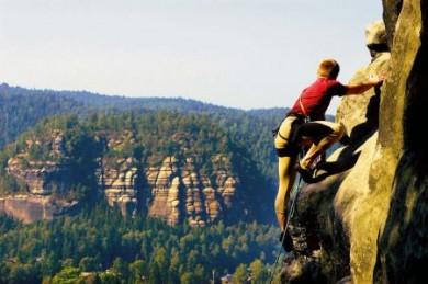 Die felsenreiche Region Zittauer Gebirge ist ein echtes Eldorado für Kletterer.