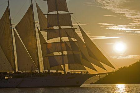 Segelkreuzfahrtschiff