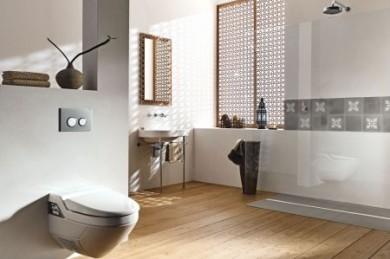 Moderne Dusch-WC
